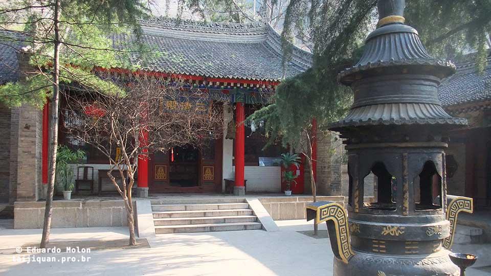 Pátio privado do mosteiro, em Huashan